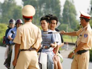Quyền của cảnh sát giao thông theo quy định mới